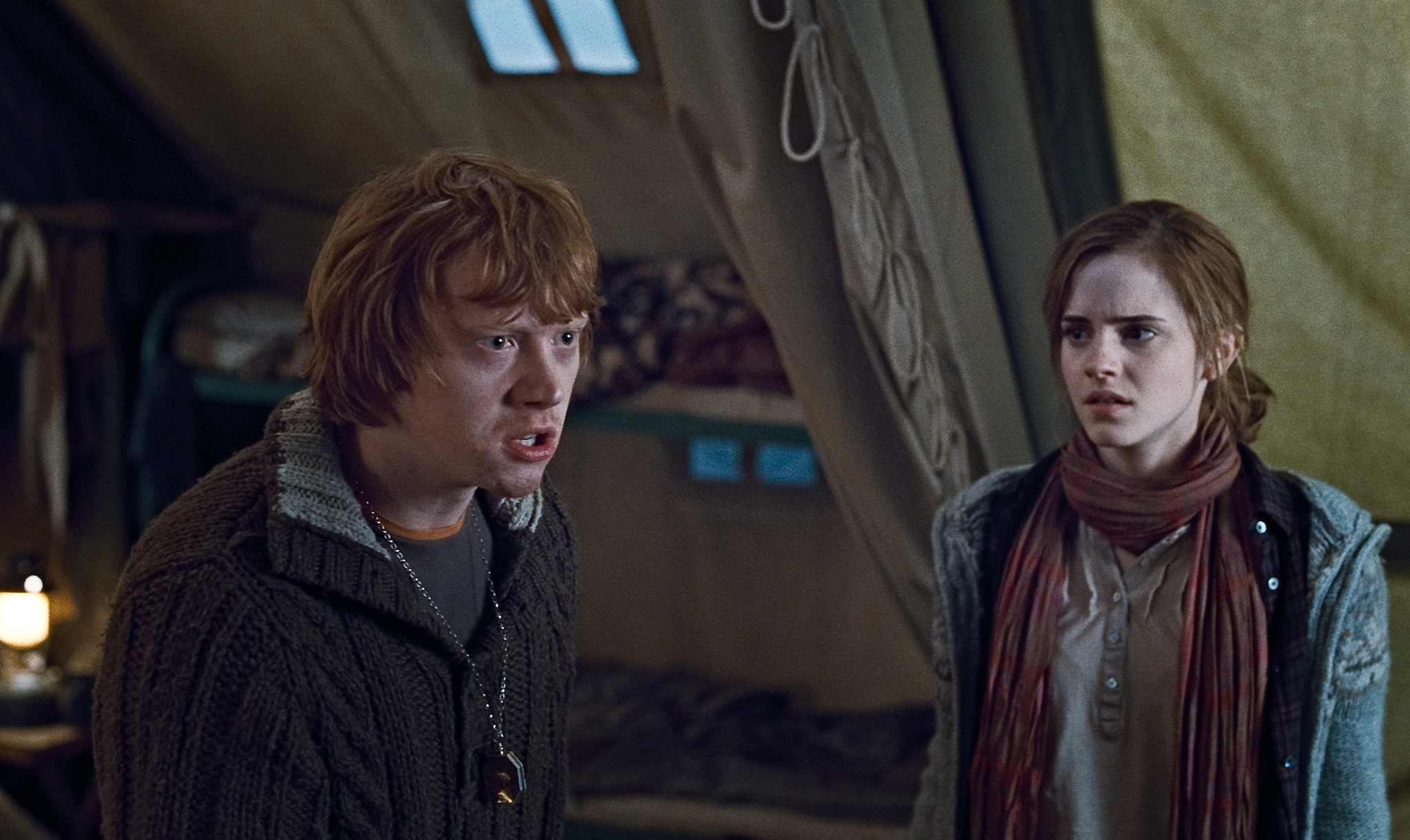 harry_potter_and_the_deathly_hallows_movie_image_rupert_grint_emma_watson_01
