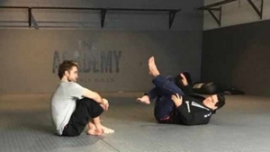 Robert Pattinson practica jiu jitsu para su papel de Batman